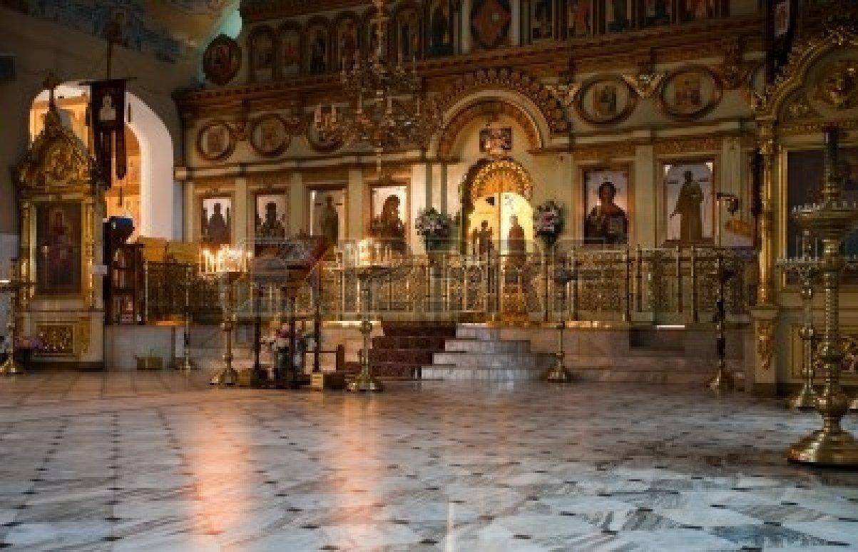 11116994-interno-della-chiesa-ortodossa-russa