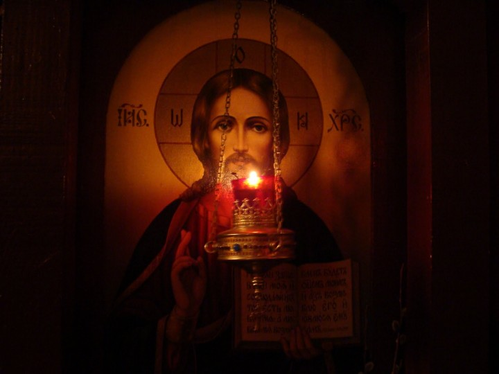 Christ-Icon-with-Lampade-720x540