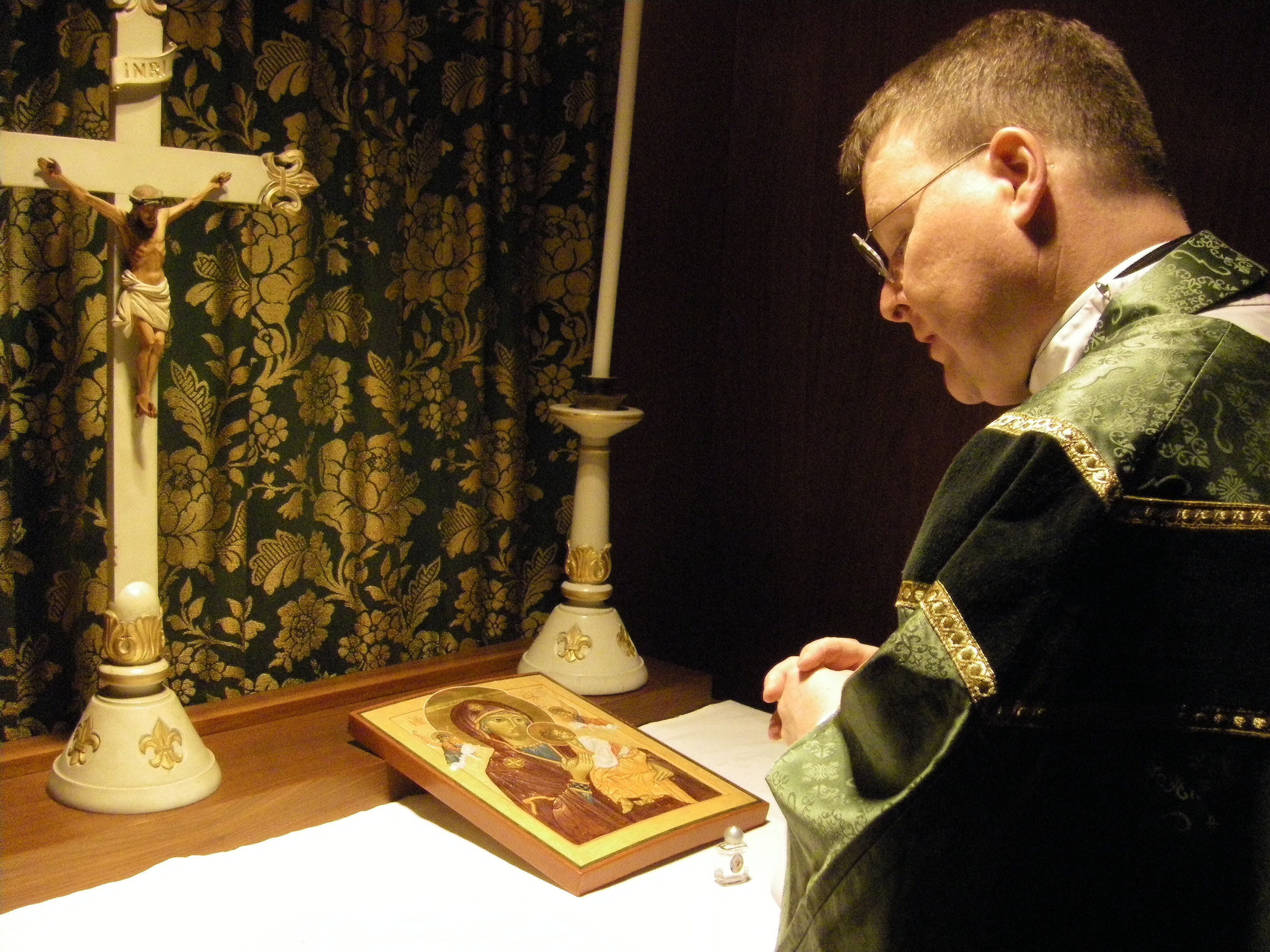 Fr MMorris blessing BVM Icon Jan 14 2010